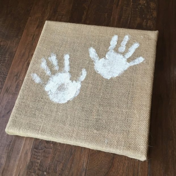 How to Make Burlap Wall Art with Your Kids (6)