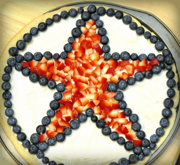 star spangled fruit pizza