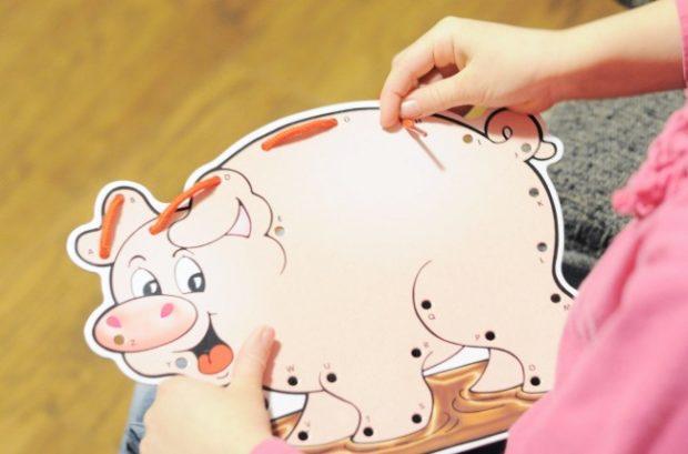 pig lacing