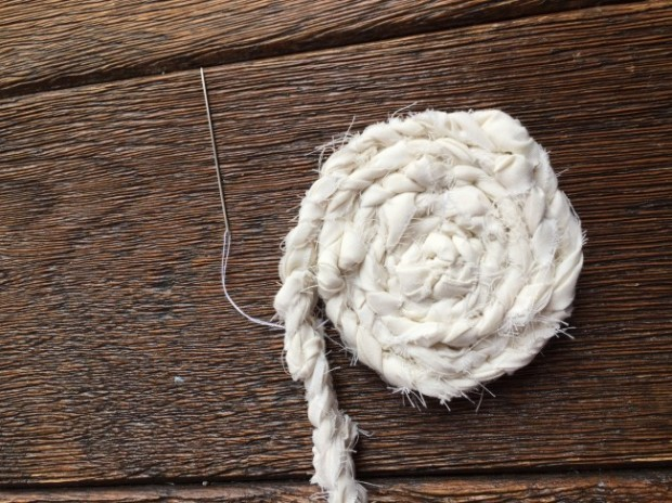 how to make a braided coaster 11
