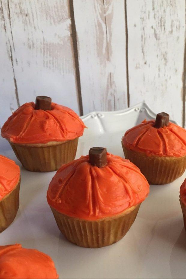 pumpkin cupcakes 6
