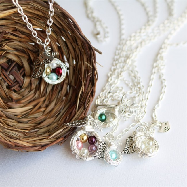 Jane Mother's Family Nest Necklace