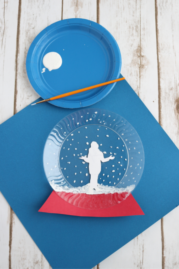 how-to-make-a-crafty-photo-snow-globe-13a